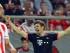 EL PIREO (GRECIA), 16/09/2015.- El jugador Thomas Mueller (c) del Bayern celebra la anotación ante el Olympiacos hoy, miércoles 16 de septiembre de 2015, durante el partido entre Olympiacos y el Bayern Múnich del Grupo F de la Liga de Campeones UEFA que se disputa en el estadio Georgios Karaiskakis en El Pireo (Grecia). EFE/SPYROS CHORCHOUBAS