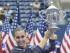 Flushing Meadows (Estados Unidos) , 12/ 09 / 2015.- la italiana Flavia Pennetta celebra con el trofeo de campeón después de derrotar a Roberta Vinci de Italia en el final sobre la decimotercera jornada del Campeonato US Open Tennis 2015 en el Centro Nacional de Tenis USTA mujeres en Flushing Meadows , Nueva York, EE.UU. , 12 de Septiembre de 2015. El US Open se ejecuta hasta el 13 de septiembre, que es un retorno a un calendario de 14 días . ( Abierto, Tenis , Italia , Estados Unidos) EFE / EPA / JUSTIN CARRIL