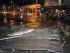La policía patrulla una calle en la que hay escombros en Valparaíso, Chile, después de que un tsunami generado por un terremoto golpeara el área, el miércoles 16 de septiembre de 2015. El terremoto de magnitud 8,3 sacudió el centro-norte del país. (Pablo Ovalle Isasmendi/AGENCIA UNO vía AP)