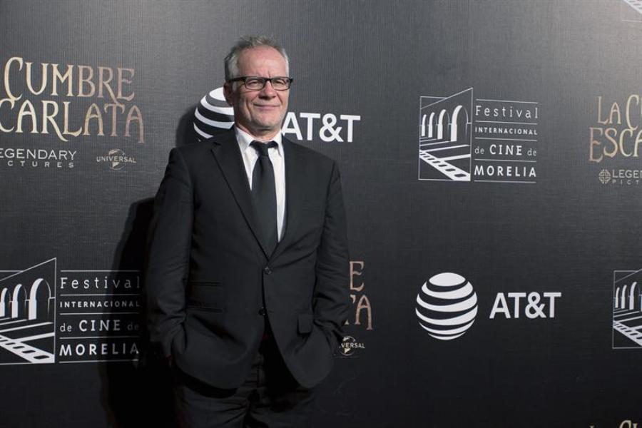 El delegado general del Festival de Cannes, Thierry Frémaux, posa hoy, viernes 23 de octubre de 2015, durante la inauguración del XIII Festival Internacional de Cine de Morelia (México). EFE/Luis Enrique Granados
