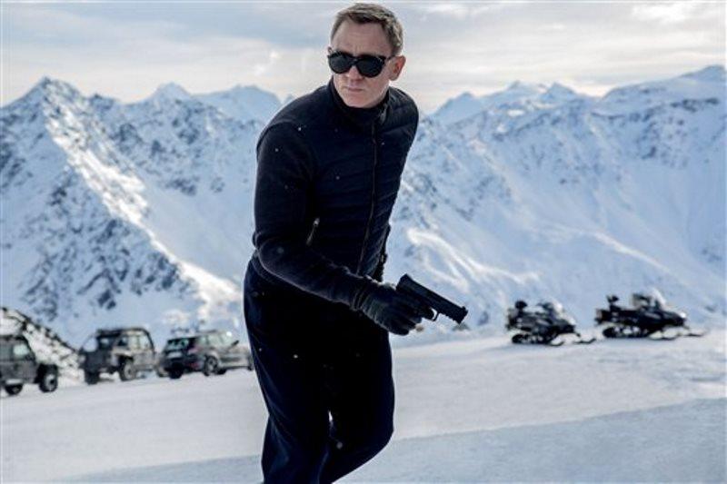 """Imagen difundida por los estudios Metro-Goldwyn-Mayer/Columbia Pictures/EON Productions del actor Daniel Craig en una escena de la cinta de James Bond """"Spectre"""". (Jonathan Olley/estudios Metro-Goldwyn-Mayer/Columbia Pictures/EON Productions vía AP)"""