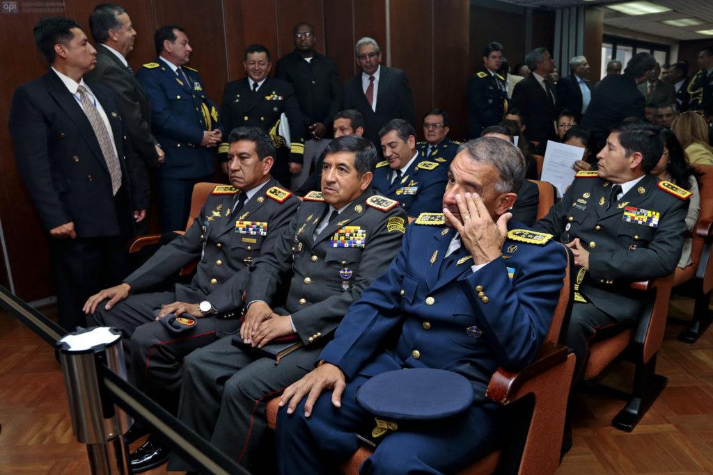 """ECUADOR, QUITO (09 -11-2015).- Audiencia de Juicio por delito de lesa humanidad, la primera en la historia judicial del Ecuador, para el caso """"Vaca, Cajas, Jarrin"""" en la Corte Nacional de Justicia. FOTOS API / JUAN CEVALLOS ECUADOR, QUITO (09 -11-2015) .- trial hearing for crimes against humanity, the first in the judicial history of Ecuador, in the case """"Vaca, Cajas, Jarrin"""" at the National Court. PHOTOS API / JUAN CEVALLOS."""