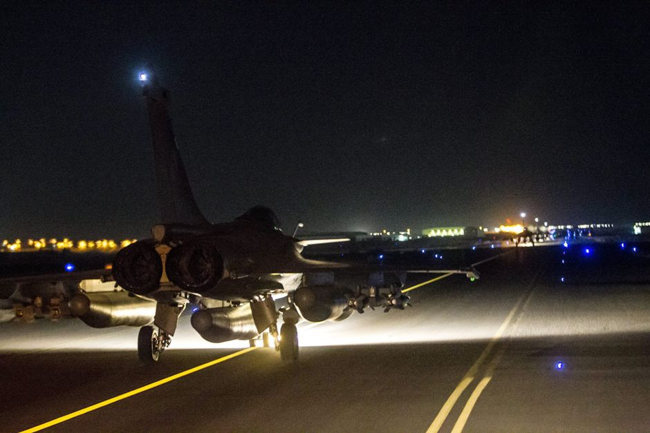 France launches airstrikes against Islamic State in Syria