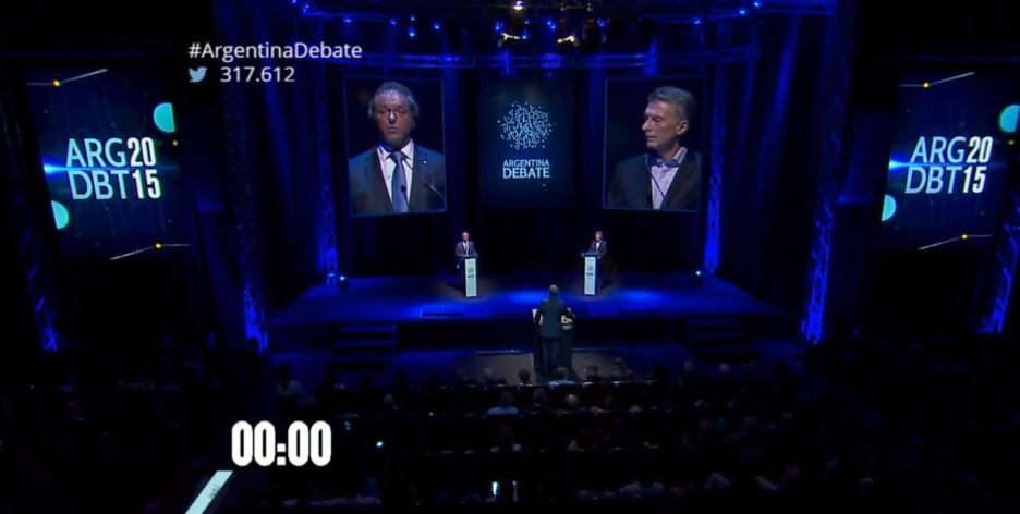 Captura de pantalla del debate argentino, transmitido por la Universidad de Buenos Aires.