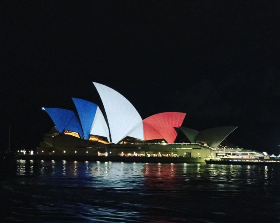 El teatro de la ópera de Sydney, Australia, el 14 de noviembre de 2015. Subida a Flickr por Wesside!