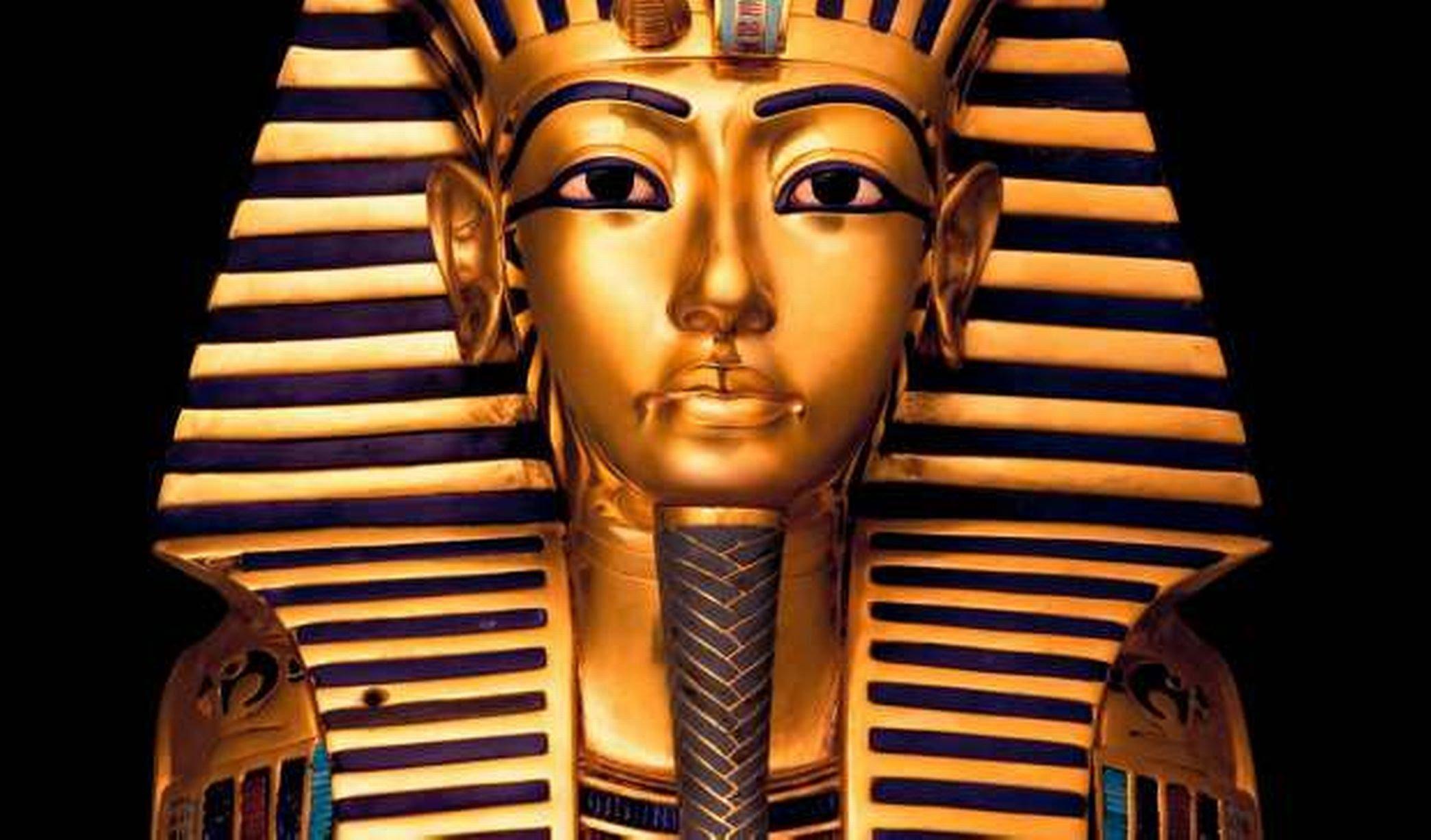 Máscara funeraria del faraón Tutankamón, exhibida en el Museo de Antigüedades Egipcias, de El Cairo.
