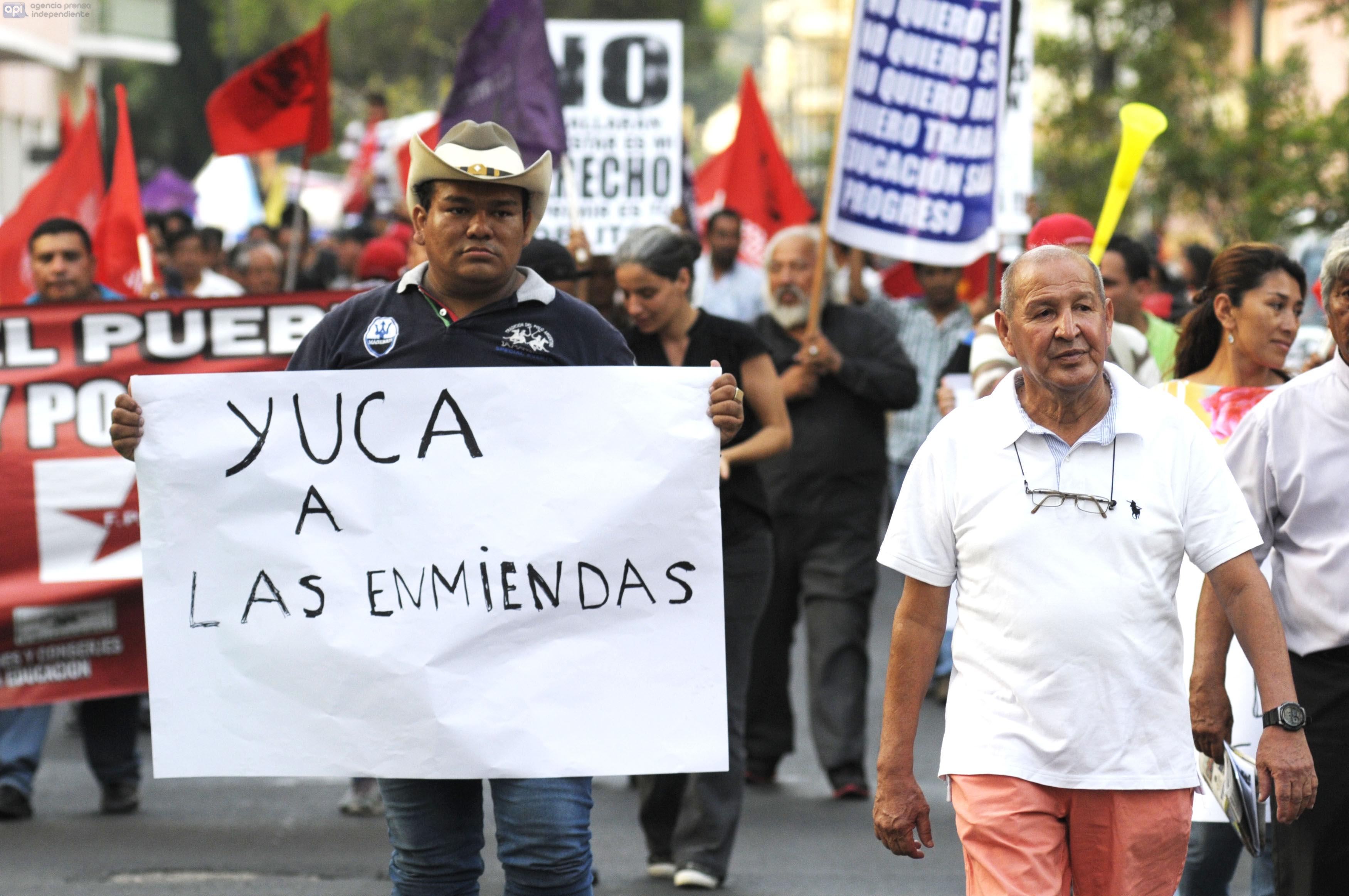 Guayaquil 26 de Noviembre de 2015. Protestas en rechazo a enmiendas constitucionales. Fotos: Marcos Pin / API