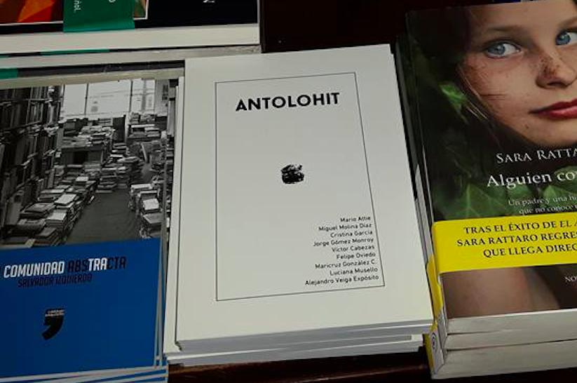 Antolohit, antologia de cuentos. Foto de La República.