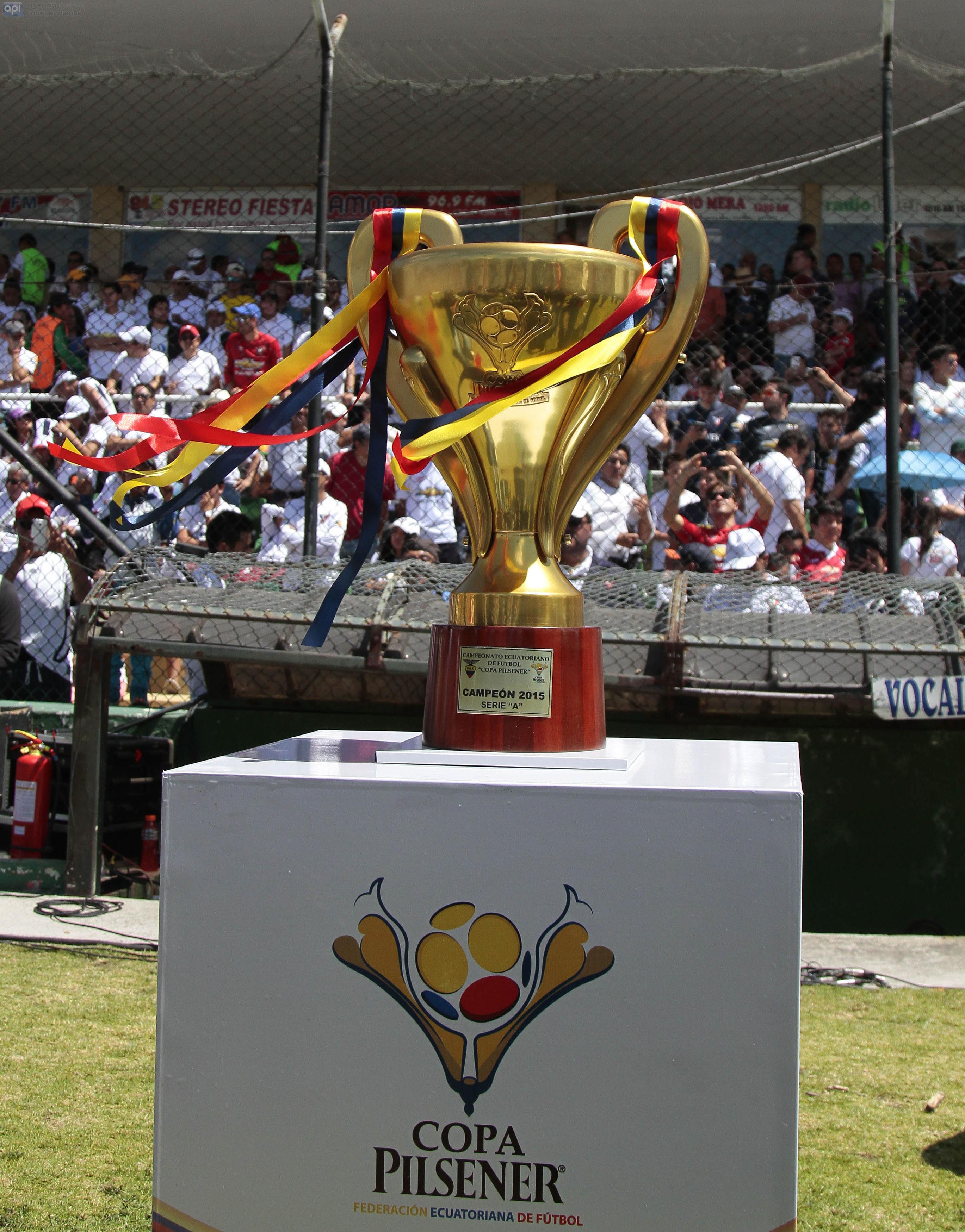 AMBATO, ECUADOR, 13 DE DICIEMBRE 2015: En el estadio Bellavista Liga de Quito recibe al Independiente del Valle FOTO API/JAVIER CAZAR
