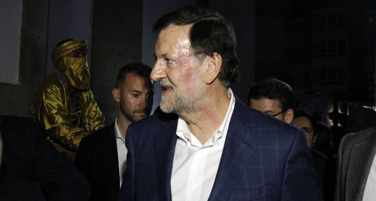 El jefe del gobierno español saliente, el conservador Mariano Rajoy, tras la agresión. Foto: http://pontevedraviva.com/