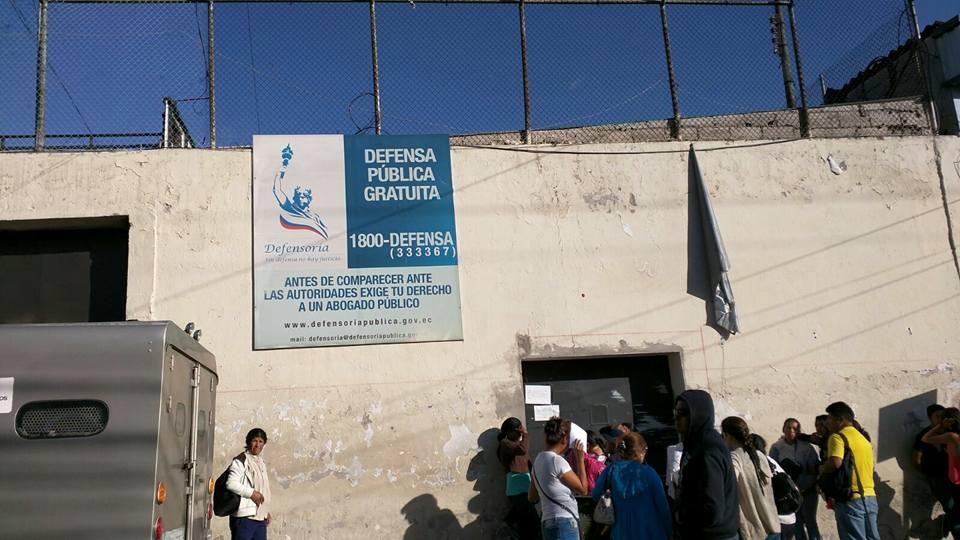 Cárcel de El Inca, en Quito, la tarde del 17 bde diciembre de 2015. Foto de Víctor Posso, de LaRepública.