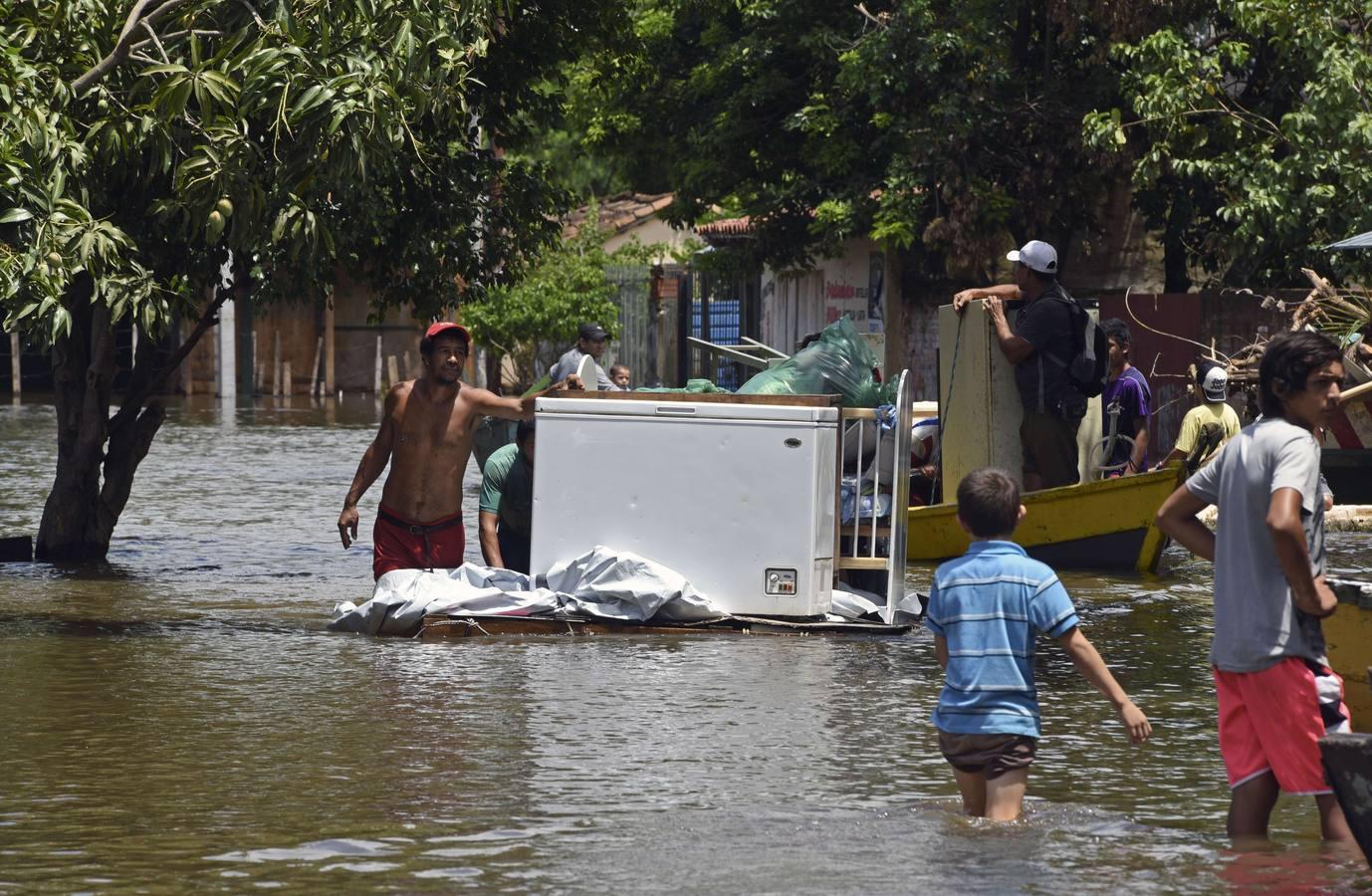Inundaciones en Asunción, el 20 de diciembre de 2015. AFP PHOTO / NORBERTO DUARTE