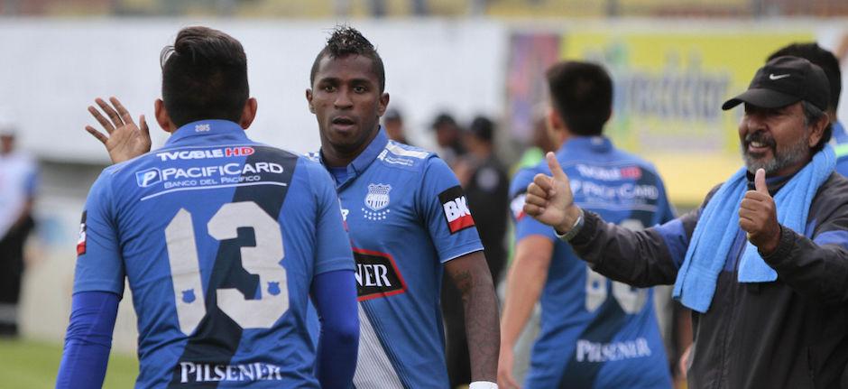 Ecuador, Quito: 02 DICIEMBRE 2015, En el estadio Ripalda del Sur Aucas recibe al Emelec FOTO API / JAVIER CAZAR en la foto : Miller Bolaños festeja su gol
