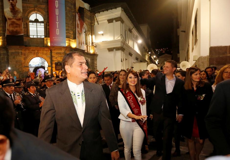 Quito (Pichincha), 05 Dic 2015.- El Presidente de la República, Rafael Correa, asistió a la serenata ofrecida a la ciudad de Quito, en sus fiestas de Fundación. Foto: Miguel Ángel Romero/Presidencia de la República