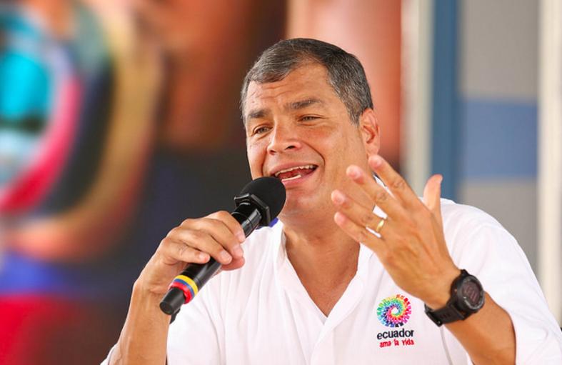 Nanegal (Pichincha), 23 ene 2016.- El Presidente de la República, Rafael Correa, presentó su informe semanal de actividades desde la localidad de Nanegal, donde cientos de ciudadanos asistieron para escuchar al Primer Mandatario. Foto:Eduardo Santillán T./Presidencia de la República