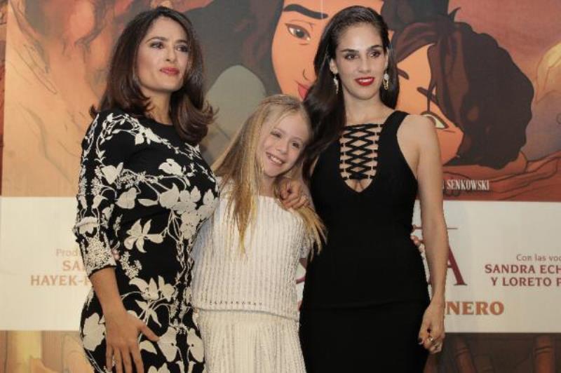 Salma Hayeck con actrices El Profeta Foto: efeestilo.com