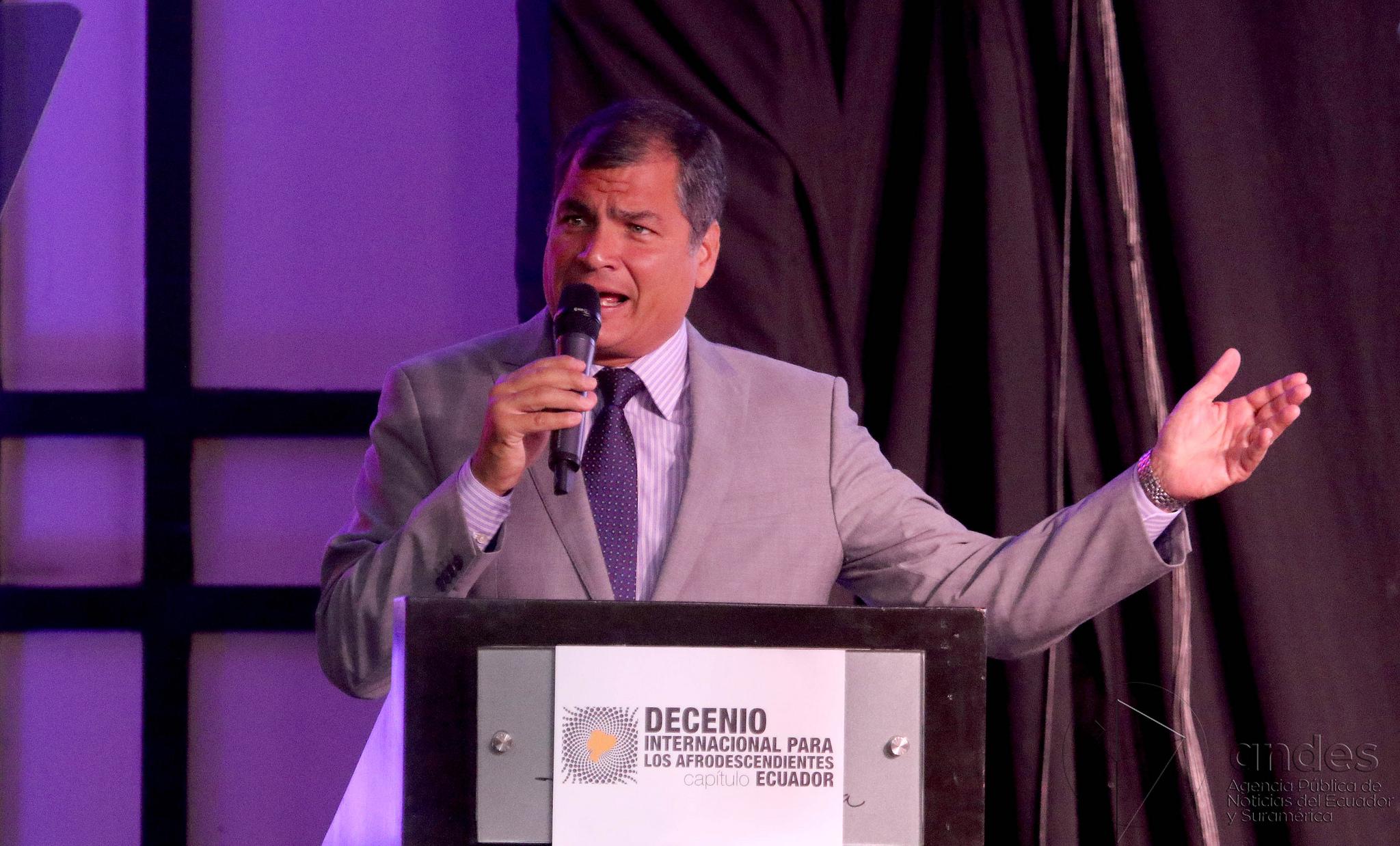 Guayaquil, martes 16 de febrero del 2016 (Andes).-Rafael Correa, presidente del Ecuador durante la firma del Decreto Ejecutivo para el cumplimiento de objetivos del Decenio Internacional para los Afrodescendientes-capítulo Ecuador Foto:Andes/César Muñoz