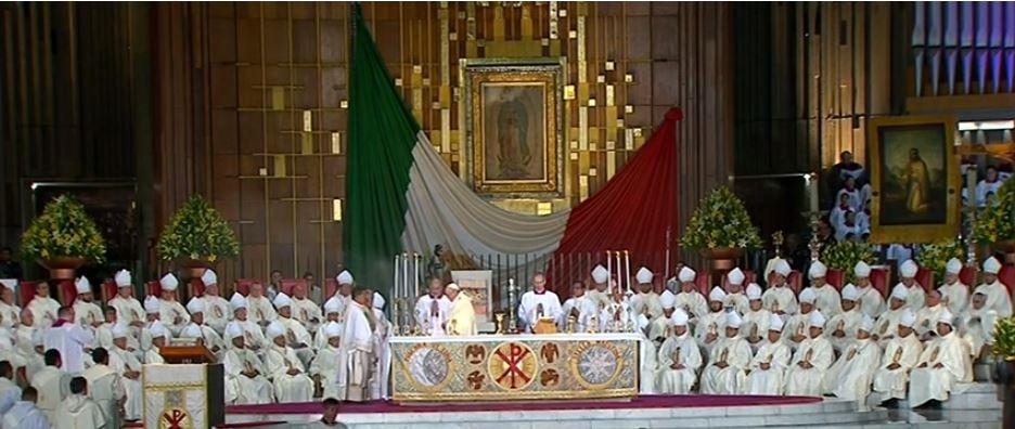 El papa Francisco oficia misa en la Basílica de la Virgen de Guadalupe, en México, el 13 de febrero de 2016.