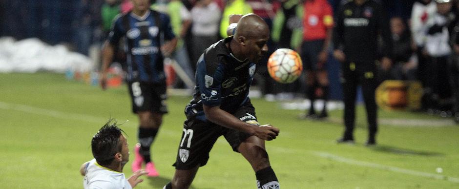 QUITO, ECUADOR, 013 de febrero 2016. En el estadio General Rumiñahui Independiente del Valle recibe al Colo Colo de Chile, por la Copa Libertadores de América. FOTO API/JAVIER CAZAR