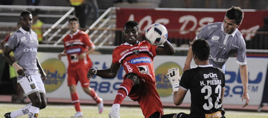 Guayaquil 27 de Febrero del 2016. River Ecuador vs Deportivo Cuenca. Fotos: Marcos Pin / API