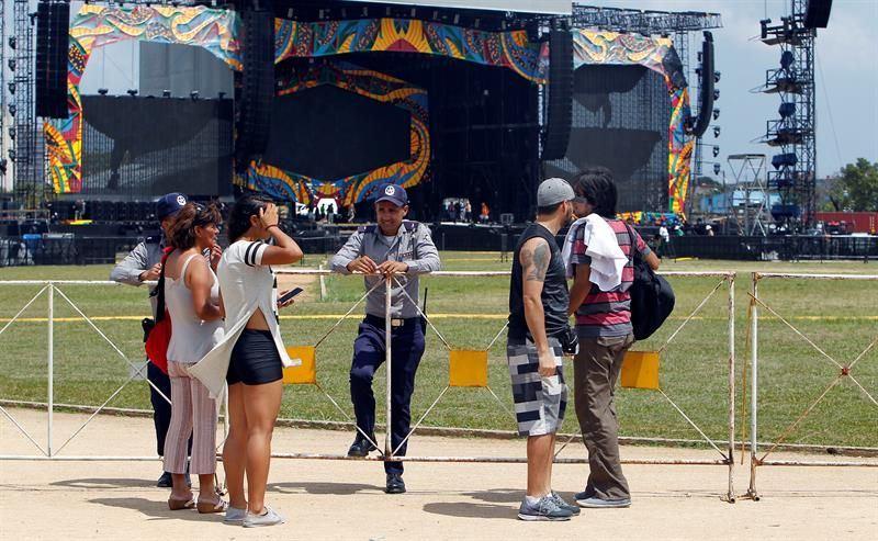 Escenario concierto, Foto: s.yimg.com