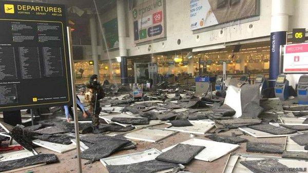Así quedó el aeropuerto de Bruselas tras explosiones.