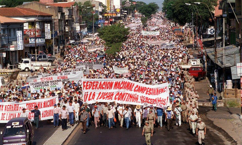 Resultado de imagen para MARCHA DE CAMPESINOS  EN  BRASIL