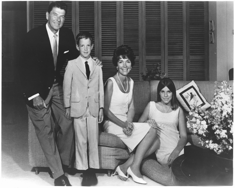 La familia Reagan en 1967, cuando Ronald era Gobernador de California.