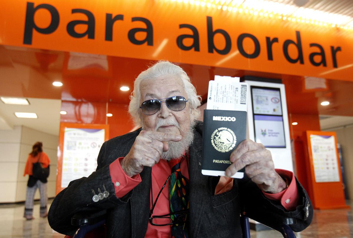 LIBROS,UN DISCO Y UNA CAMISA, EL LEGADO DE FERNANDO DEL PASO AL CERVANTES
