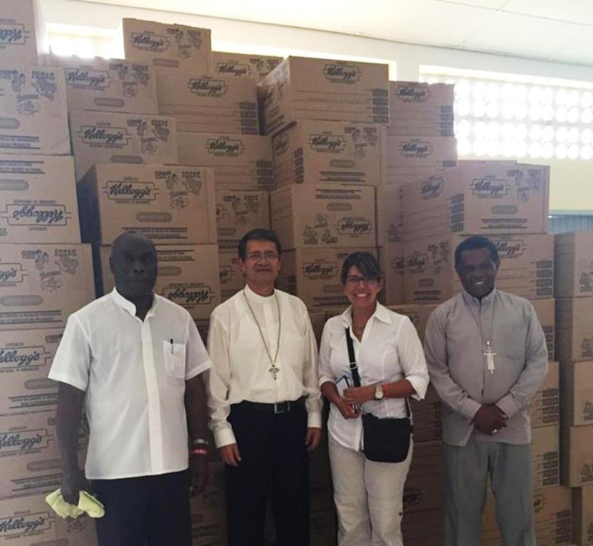 Banco de Alilmentos Diakonía visitan Muisne, Pedernales y Pueblo Viejo, Esmeraldas, Manta, Portoviejo, llevando cargados de kits de ayuda a las zonas afectadas..