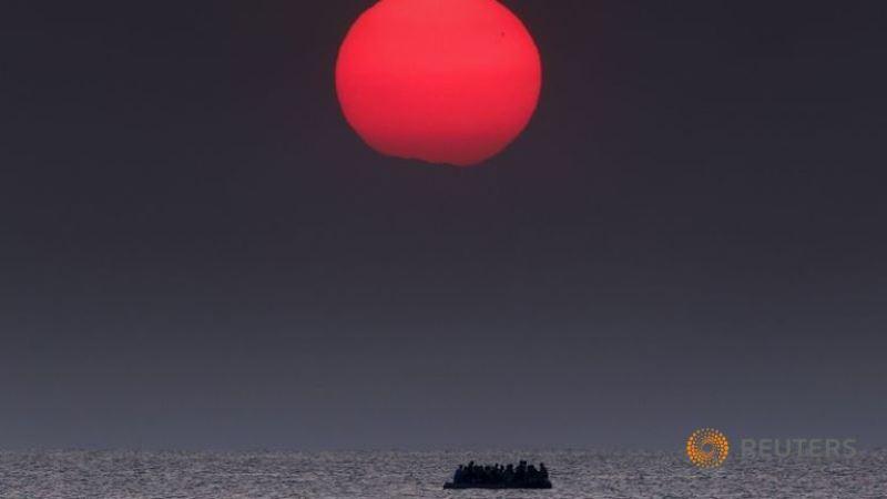 Foto ganadora de la agencia Reuters: refugiados en el Mar Egeo.