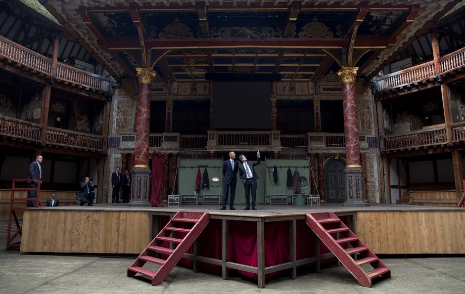 Obama en teatro de Shakespeare. Foto: americateve.com