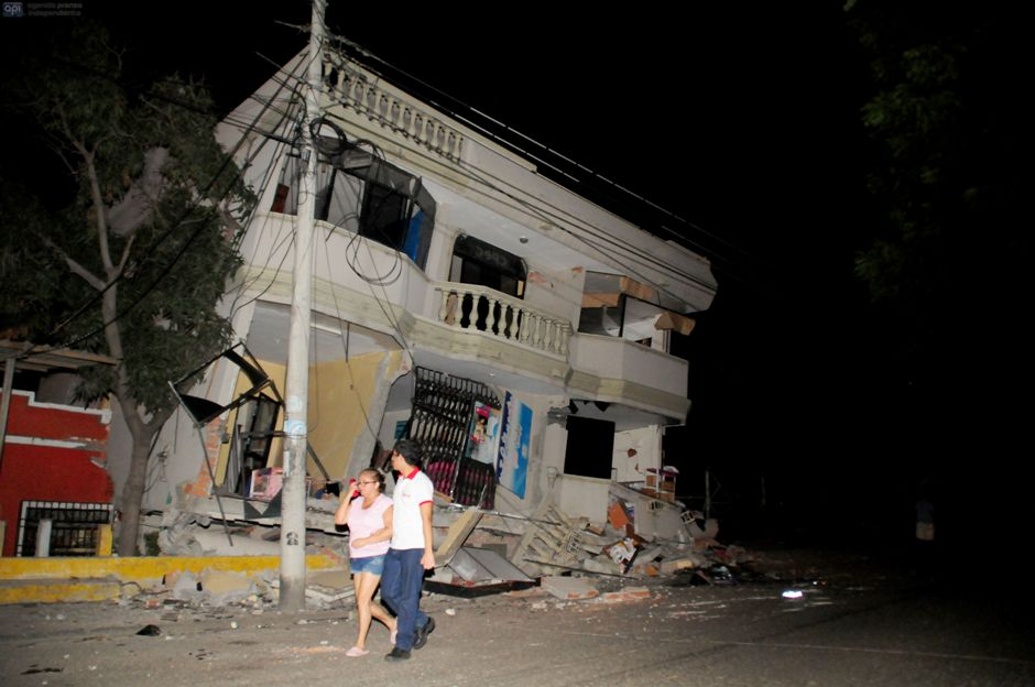 Portoviejo, tras terremoto 7.8. API/Paul Ochoa.