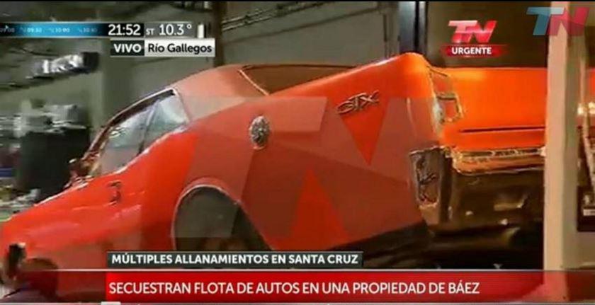 Una impecable cupé Dodge GTX, secuestrada en un galpón propiedad de Lázaro Báez. (Imagen TV)