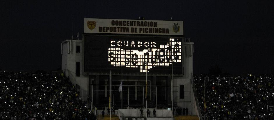 2016-04-28-QUITO-ECUADOR. Por Copa Libertradores de America el Independiente del Valle recibe en el Estadio Olimpico Atahualpa al combinado de River Play de Argentina. Este partido es en beneficencia de los afectados por el Terremoto de Ecuador. APIFOTO/JUAN RUIZ