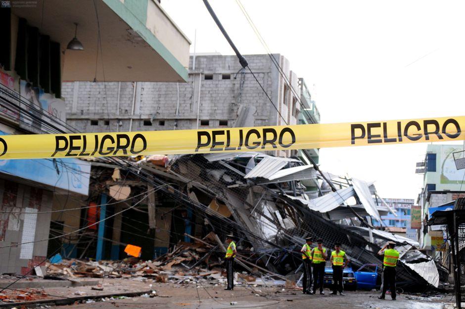 MANTA - ECUADOR (17-04-2016). Terremoto en Ecuador. Parroquia Tarqui del cantón Manta. API FOTO / ARIEL OCHOA