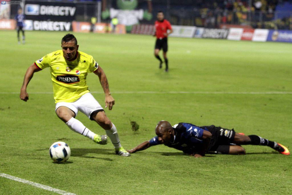 ECUADOR, Quito (2016/06/22). En el estadio Rumiñahui Independiente recibe al Barcelona FOTOS API / JAVIER CAZAR