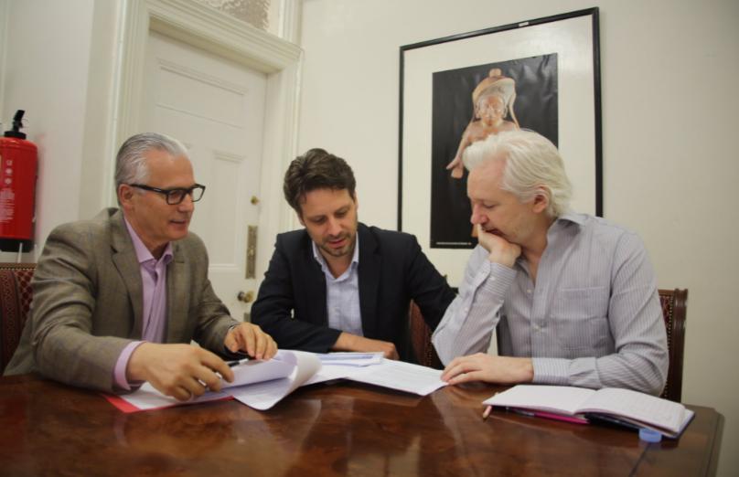 Garzón, Long y Assange