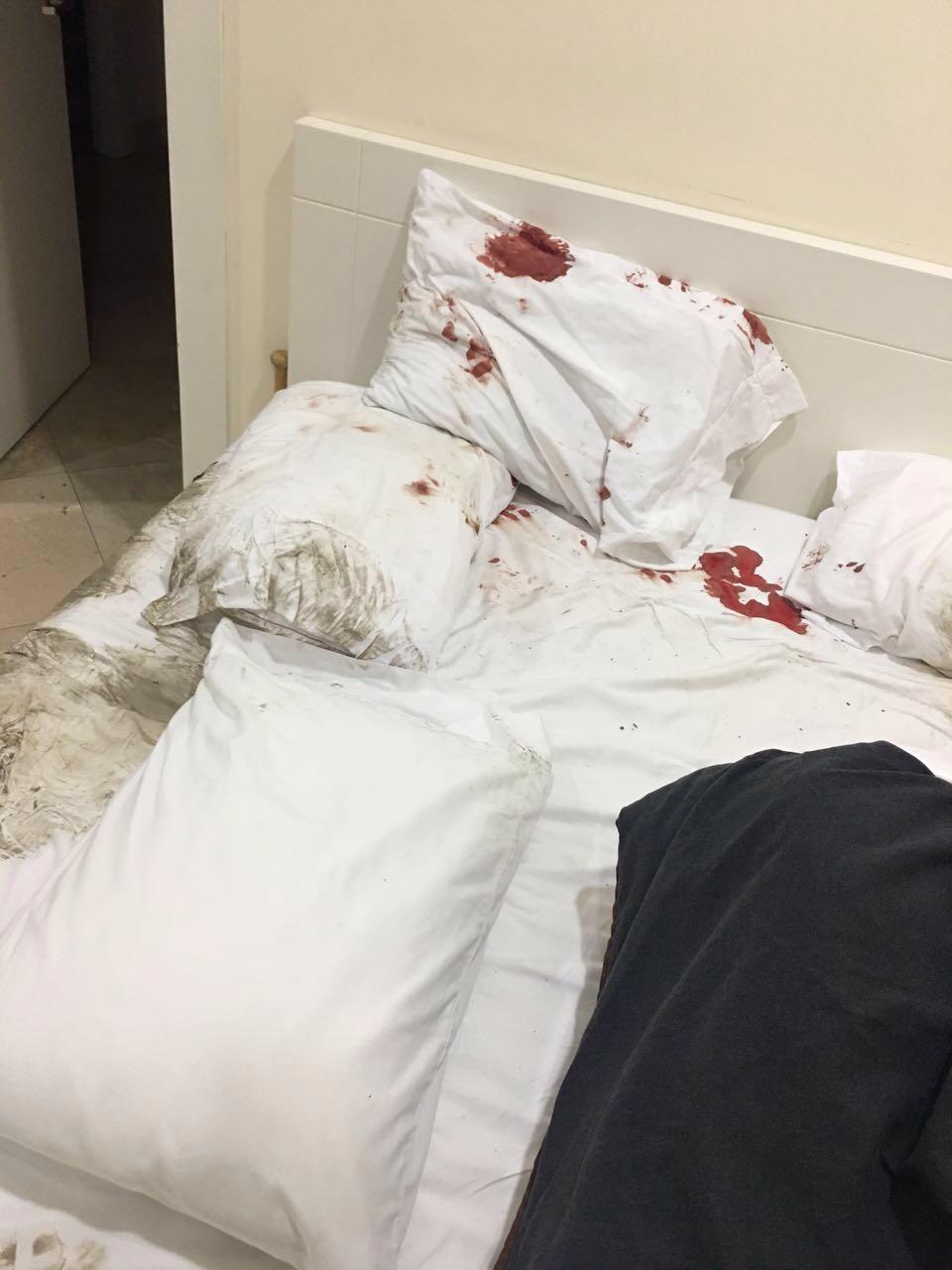 Fotos de la casa de Pablo Campana, en Samborondón, difundidas por WhatsApp, tras el asalto esta madrugada.