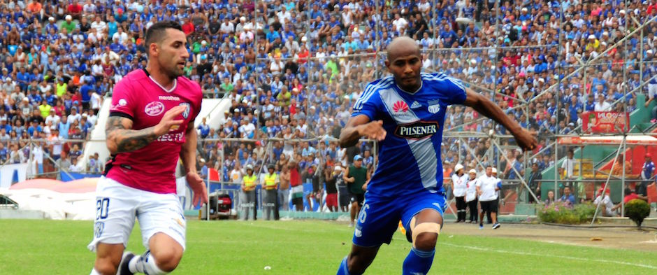 PORTOVIEJO - ECUADOR (26-06-2016). Partido Emelec - Independiente del Valle, jugado en el estadio Reales Tamarindos, válido por el Campeonato Ecuatoriano 2016. API FOTO / ARIEL OCHOA