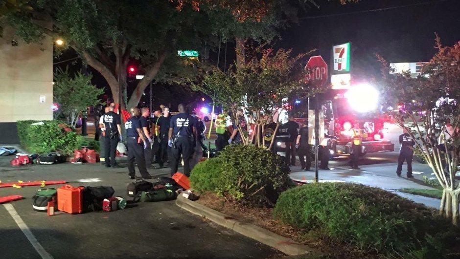 Captura de pantalla del noticiero de Univision, en Miami, la madrugada del 12 de junio, tras una balacera en el club gay Pulse, en Orlando, Florida. EFE/EPA/UNIVISION FLORIDA CENTRAL /