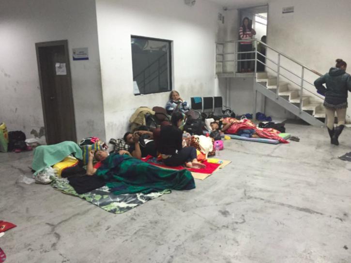 Cubanos detenidos en la Unidad de Flagrancia de Quito. Foto de Fundación Milhojas.