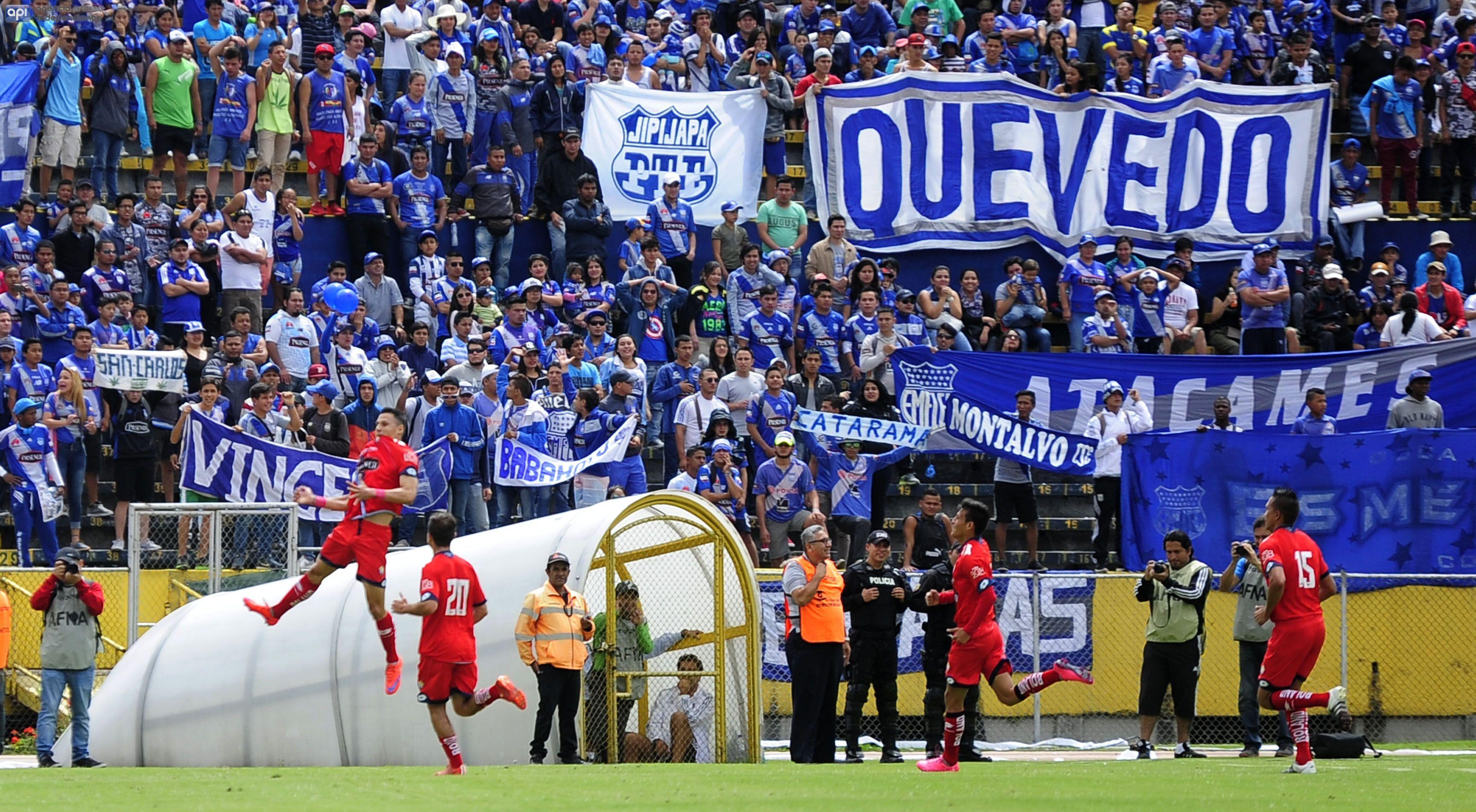 Fabert Balda, de El Nacional, celebra el gol contra Emelec, el 3 de julio de 2016. API