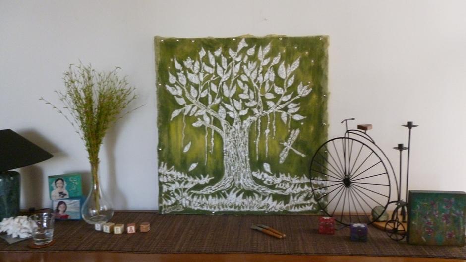 Árbol verde de Marcela Dunn. Larepublica.ec