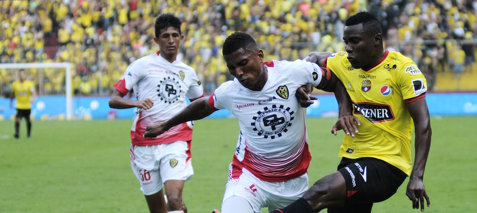 Guayaquil 21 de Agosto 2016. Barcelona vs Fuerza Amarilla. Fotos: Marcos Pin / API