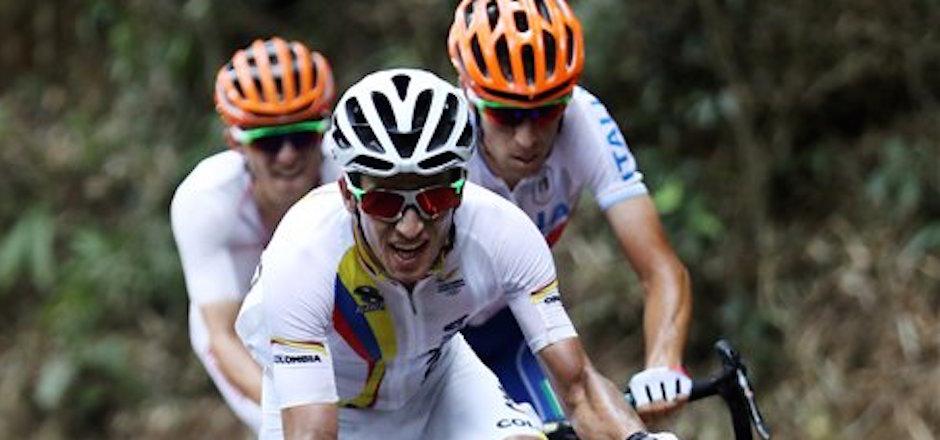 El colombiano Sergio Henao compite en la prueba de ruta del ciclismo de los Juegos OlÌmpicos el s·bado, 6 de agosto de 2016, en RÌo de Janeiro. (Bryn Lennon/Pool Photo via AP)