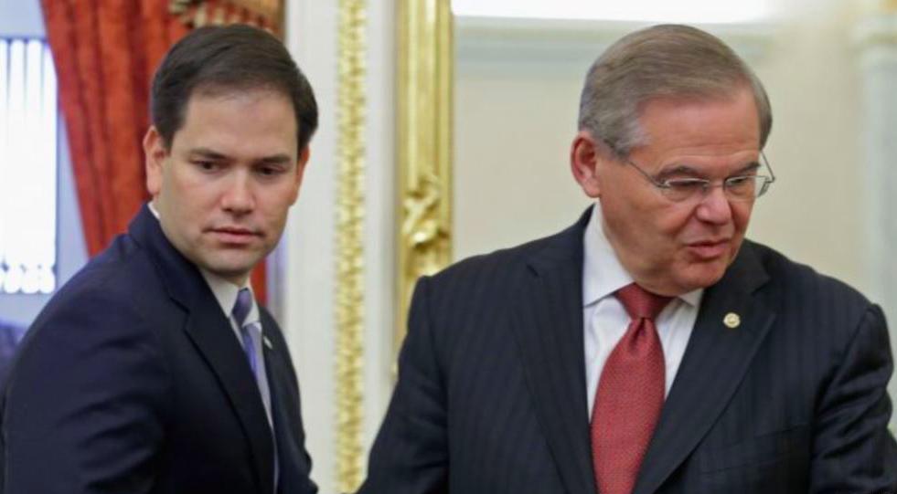 Robert Menéndez y el senador republicano Marco Rubio
