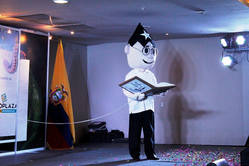 Juan Pubelo lee, foto larepublica.ec
