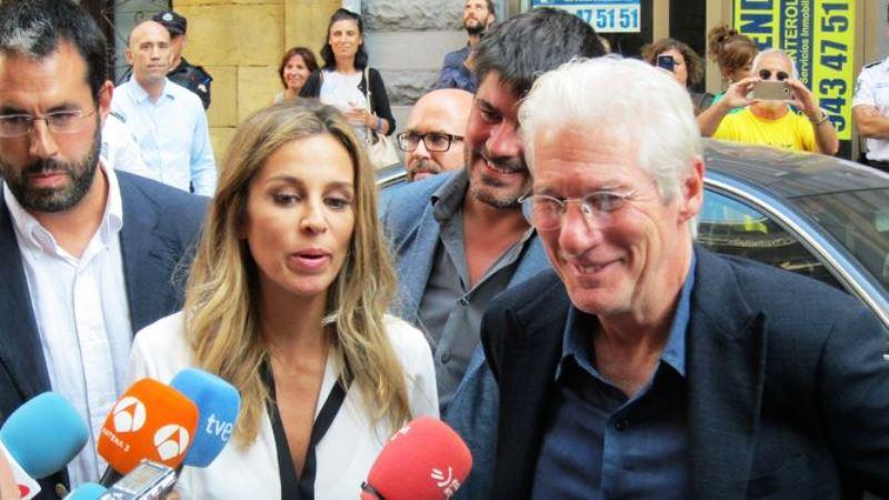 Richard y su novia Alejandra, foto lainformacion.com