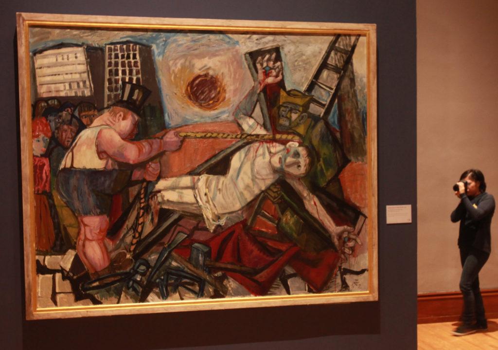 """CIUDAD DE MÉXICO (MÉXICO), 11/10/2016.- Vista de la obra """"La Elevación de la Santa Cruz"""" hoy, martes 11 de octubre de 2016, en la exposición """"Violencia y Pasión"""" del artista alemán Otto Dix, en el Museo Nacional de Arte de Ciudad de México (México). """"Violencia y Pasión"""", de Otto Dix, se expone por primera en México en el marco de las celebraciones del año dual México- Alemania. EFE/Mario Guzmán"""